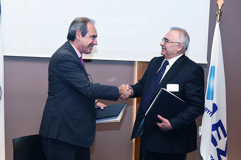 Ο Διευθύνων Σύμβουλος του Ομίλου του Χρηματιστηρίου Αθηνών, κ. Σωκράτης Λαζαρίδης και ο Πρόεδρος Δ.Σ. και Διευθύνων Σύμβουλος, κ. Σωτήριος Νίκας.